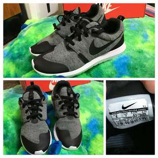 9.5成新❗️NIKE(roshe one fleece)