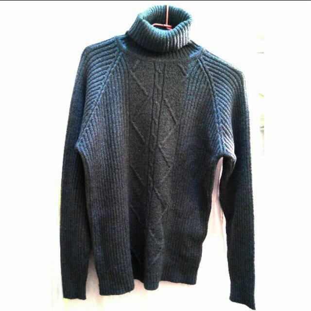 藏青色高領毛衣