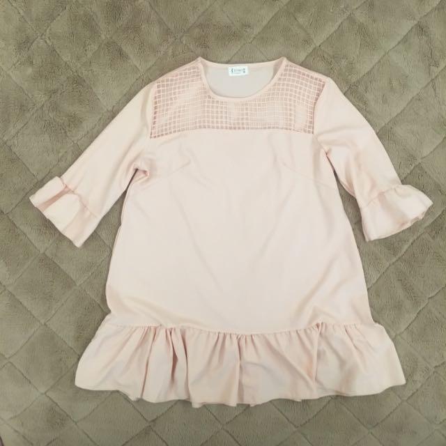 日韓氣質款粉色格紋透膚荷葉滾邊上衣連身裙