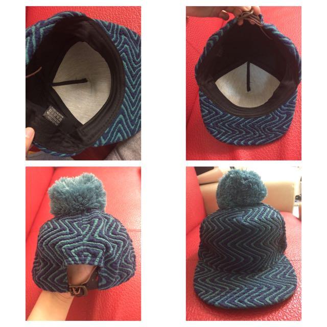 🎩板帽 棒球帽 上面有小毛球 特別 溫暖 帽圍可調整