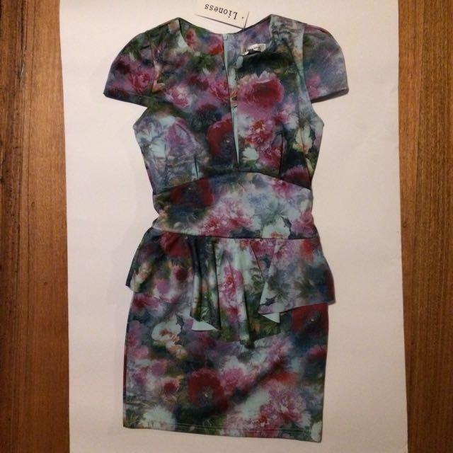 Flattering Dress- Size 8-10
