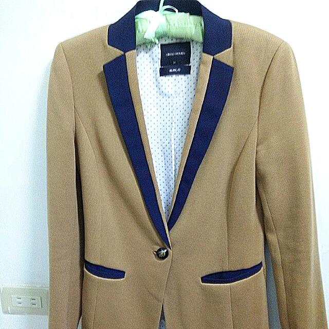 [G2000] 咖啡色腰身版西裝外套