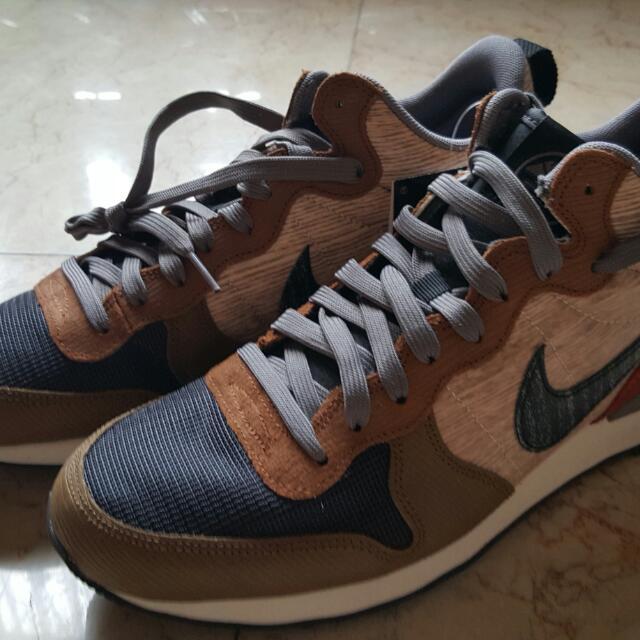 finest selection bd386 2eb1d Nike Internationalist Mid Ekiden Pack, Sports on Carousell