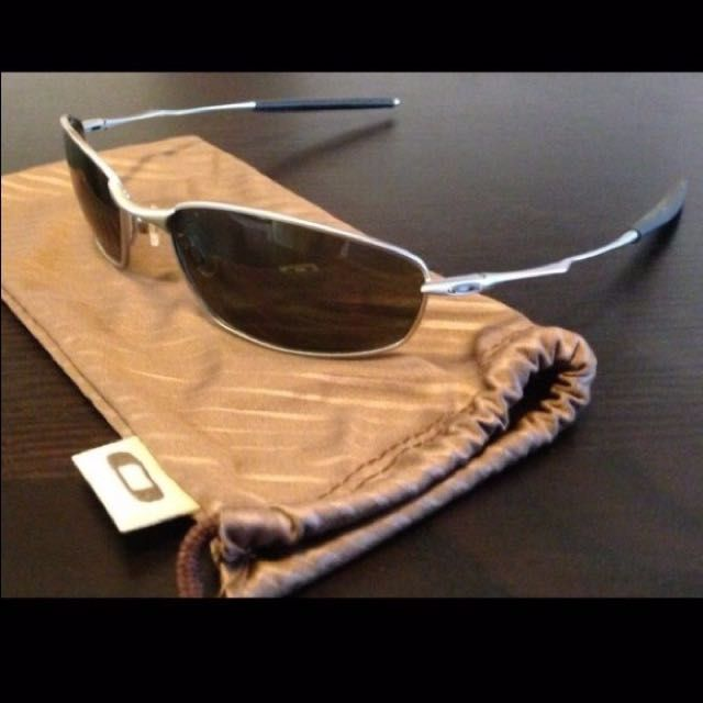 e6b52f5e08c ... denmark oakley whiskers platinum frame gold iridium lenses electronics  on carousell e5f2c 9087b