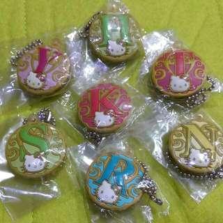 🚚 Hello Kitty-小鑽字母鑰匙套