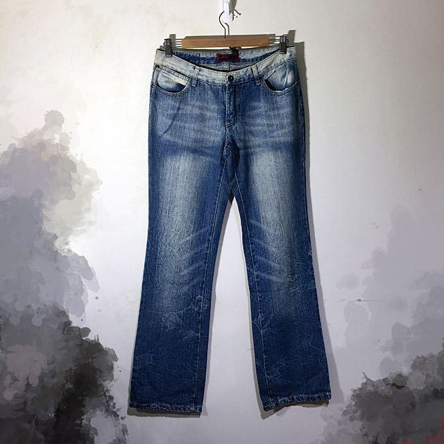 刷白單寧牛仔靴型褲