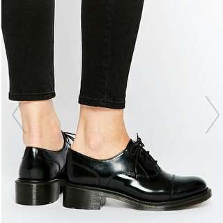 Dr Martens 馬汀黑色牛津鞋
