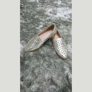 BN Loafers with spike details (Silver)