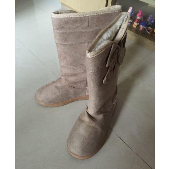 超級保暖的米白色長雪靴(非新品)
