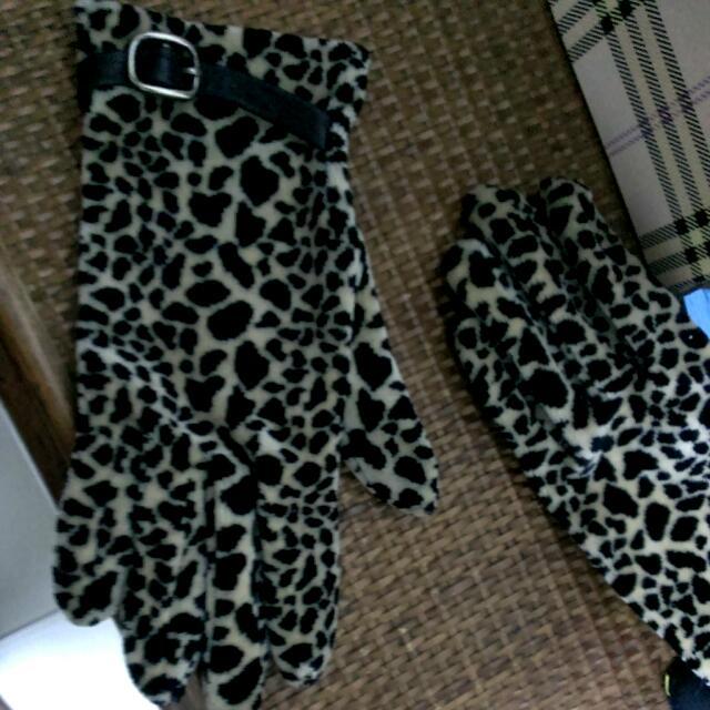 日本帶回來的豹紋手套