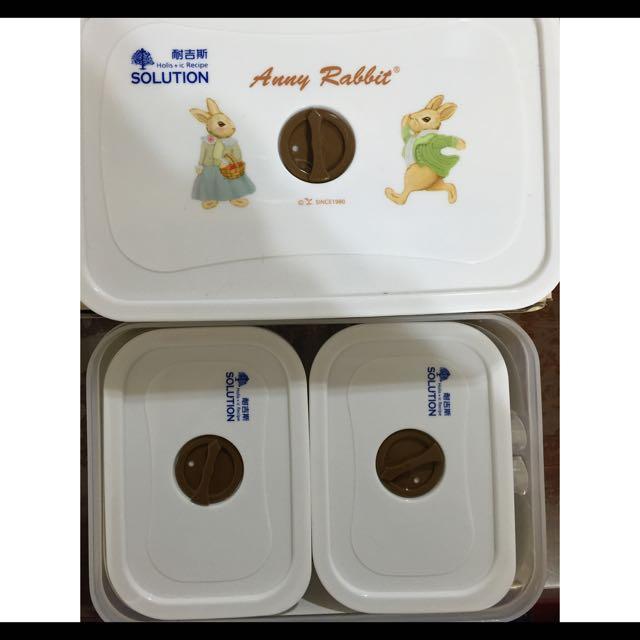 安妮兔微波保鮮盒共三盒