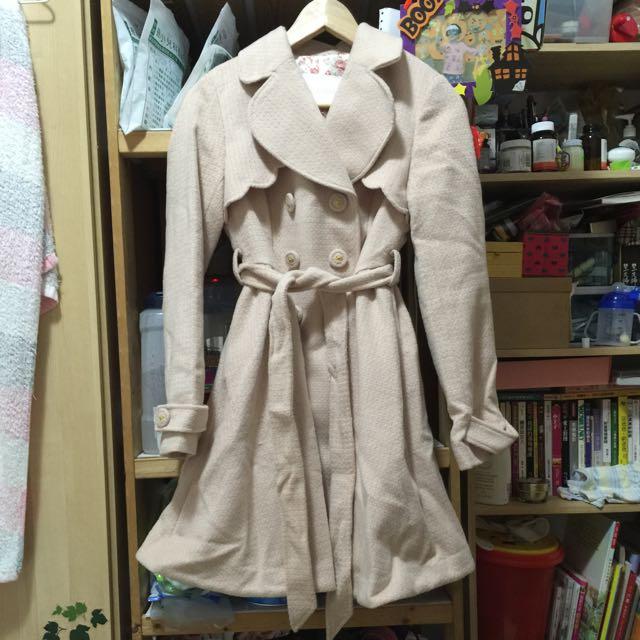 (含運)日本正品 Liz Lisa 粉膚暖暖公主排釦綁帶傘狀下擺大衣
