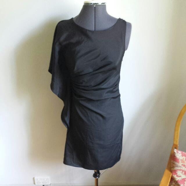 Bebe Sz 8 Elegant Black Dress