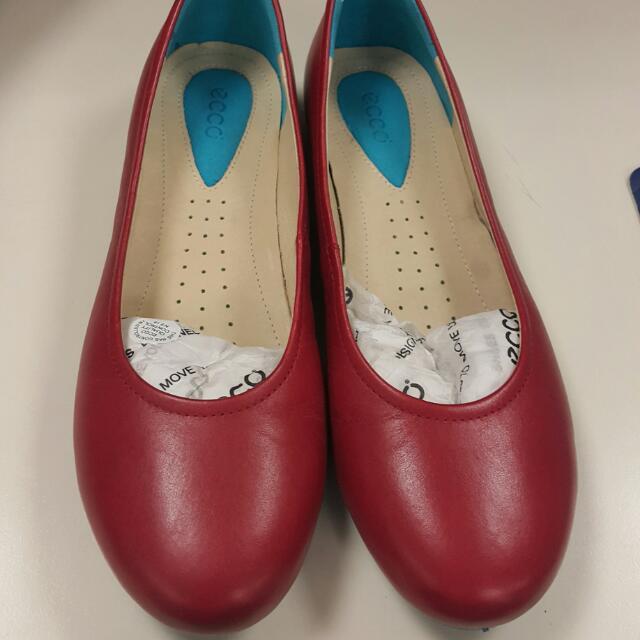 全新ecco平底鞋
