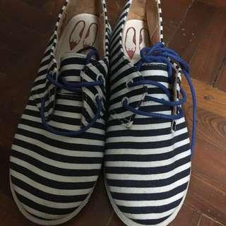 韓國購入 休閒鞋 售300