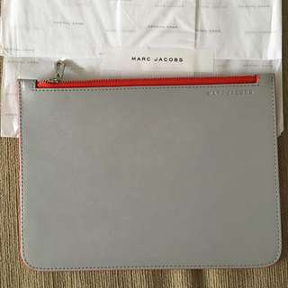 Marc By Marc Jacobs Large Pouch With Red Lining. New Authentic