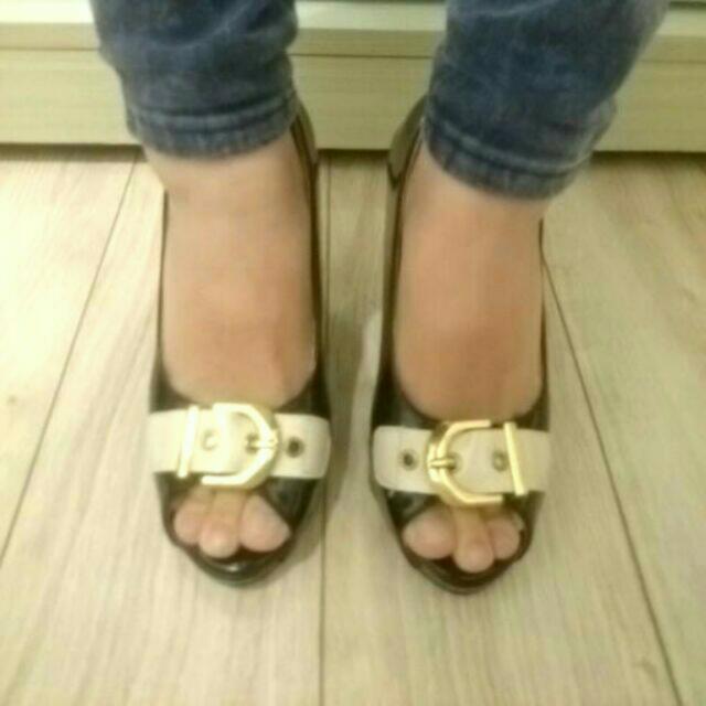 近全新-黑色高跟鞋(尺寸36)