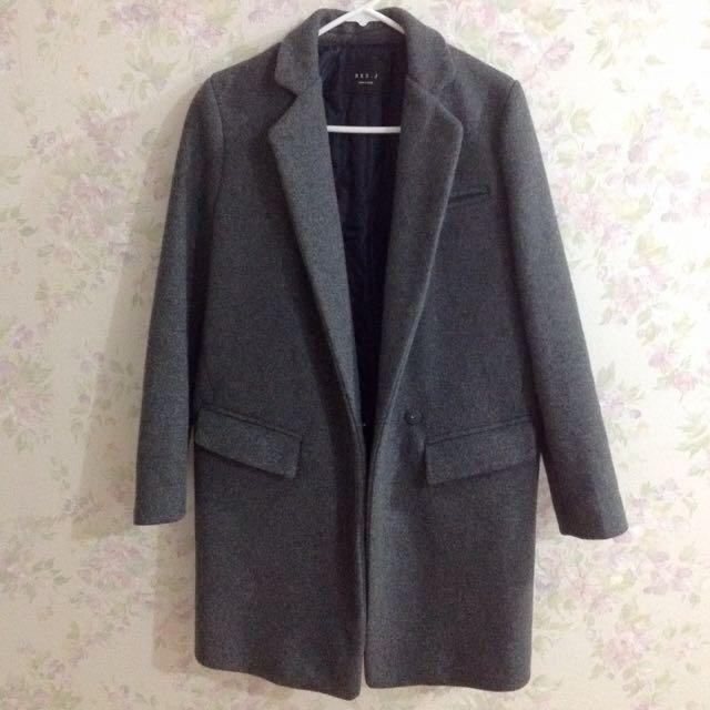 衣服日記70%羊毛大衣灰色