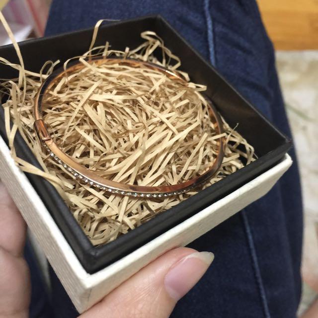 鑲鑽手環(沒掉鑽)