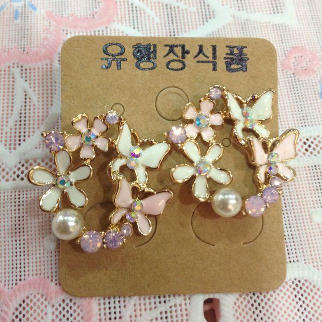 正韓-全新粉色蝴蝶花朵耳環