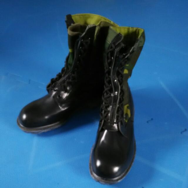 全新迷彩戰鬥靴,國軍版,值得收藏