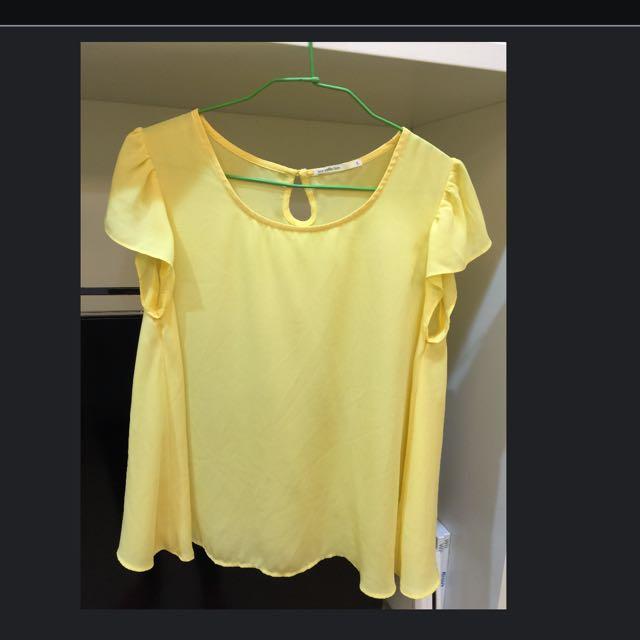 繽紛黃荷葉袖上衣