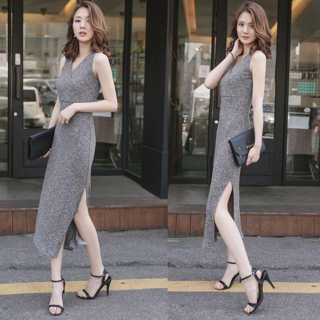 [Pre-order] V-neck Sleeveless Dress