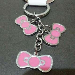 Hello Kitty 蝴蝶結 鑰匙圈 粉紅色蝴蝶結 吊飾 鐵牌