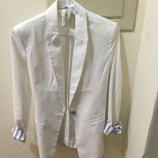 白色墊肩版型超挺休閒西裝外套