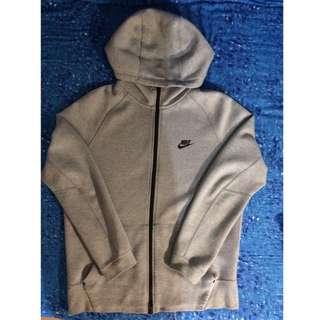 Nike灰色外套