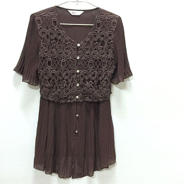 雅典納簍空織紋壓摺雪紡長版上衣