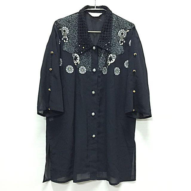 精緻刺繡簍空領五分袖長版襯衫