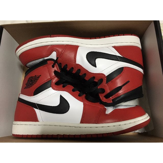 brand new 9623d 19378 Air Jordan 1 Chicago (2013), Men's Fashion on Carousell