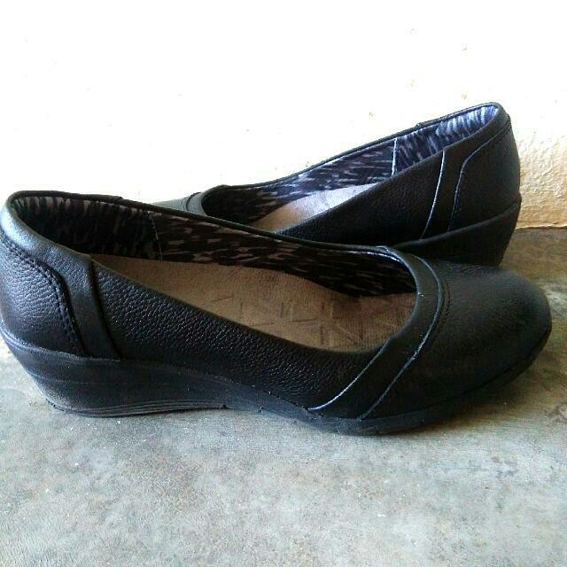 Hush Puppies Black Wedges