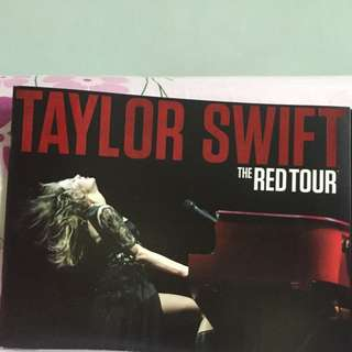 Taylor Swift The Red Tour Book [Pending]