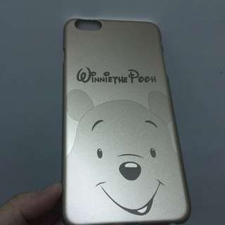 iPhone 6+ 維尼手機殼。金色