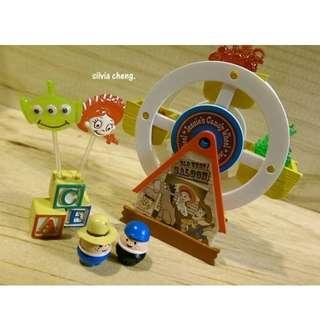 (降價)玩具總動員絕版食玩4號摩天輪小小人三眼怪翠絲氣球只有一組