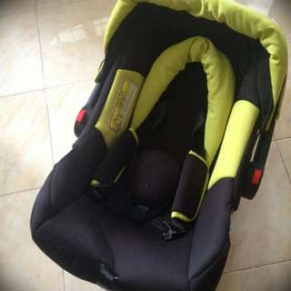2nd Little Bean Infant Carrier and Seat