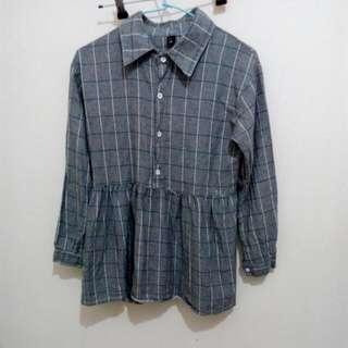 灰藍格紋衣