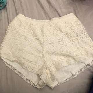 HOLLISTER 布蕾絲內搭短褲