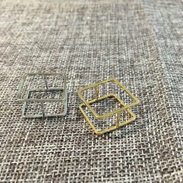 銀色正方形方塊極簡戒指