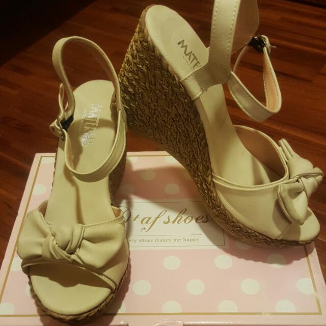可愛蝴蝶結楔形鞋36號