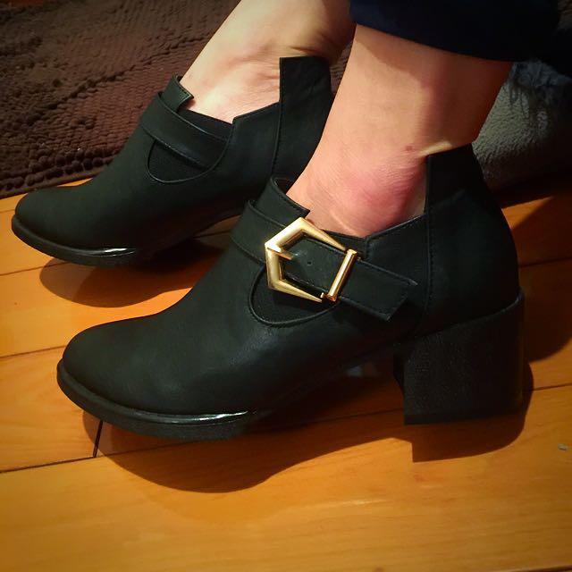 全新,黑色金釦環造型踝靴