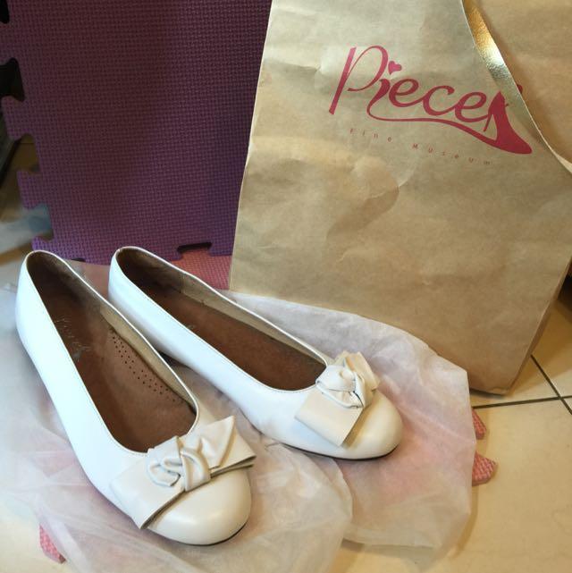 全新 手工皮質白色娃娃氣墊鞋 24號