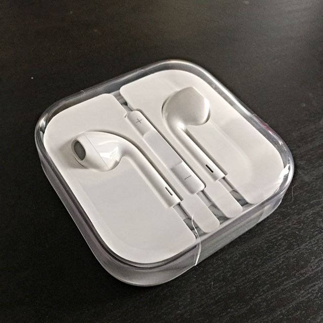 Apple Earpods With Remote And Mic *NEW*