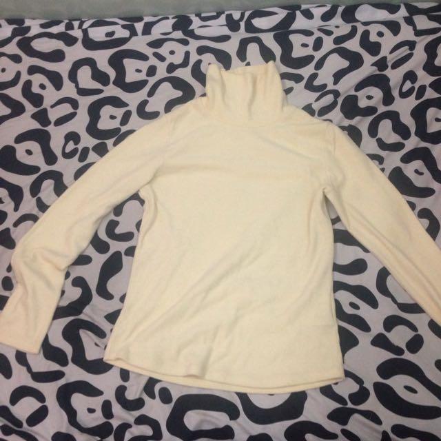 Uniqlo保暖套頭冬季上衣