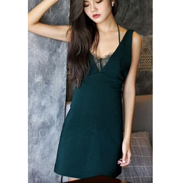 f2c037f383 Zara Inspired Backless Emerald Green Lace Dress