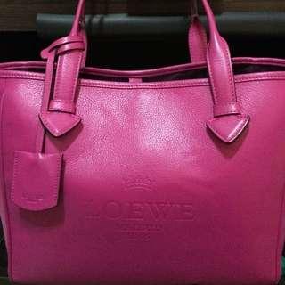 LOEWE桃紅手提包