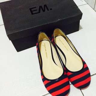 EM Shoes 全新平底娃娃鞋 含運費