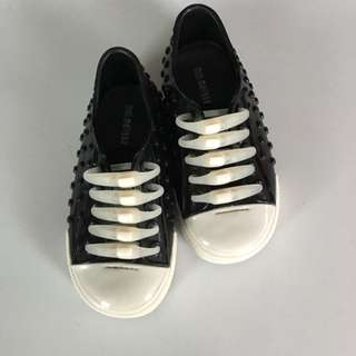 Almost New Mini Melissa Sneaker For Boy - US8/EUR24
